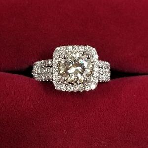 Simon G 18k White Gold Halo Diamond Wedding Set